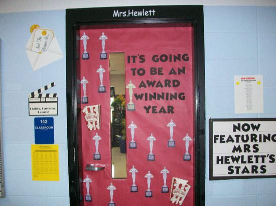 Red Carpet and Hollywood Themed Back To School Bulletin Board Idea