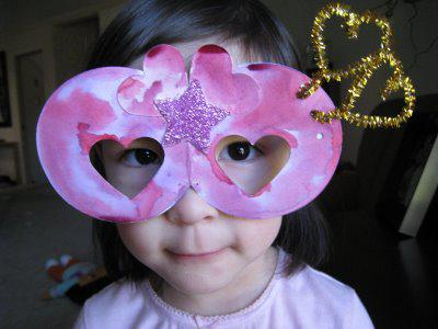 valentine's day heart goggle craft