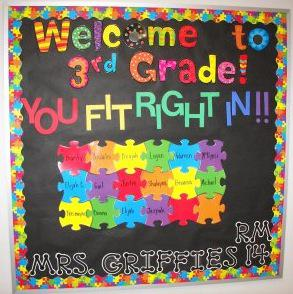 Welcome Back to School Puzzle Bulletin Board Idea